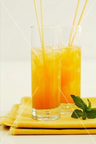 Melon and ginger coolers