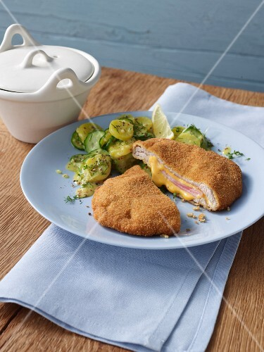 Cordon bleu with a potato and cucumber salad