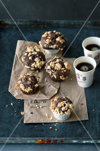 Chocolate crumb muffins (USA)