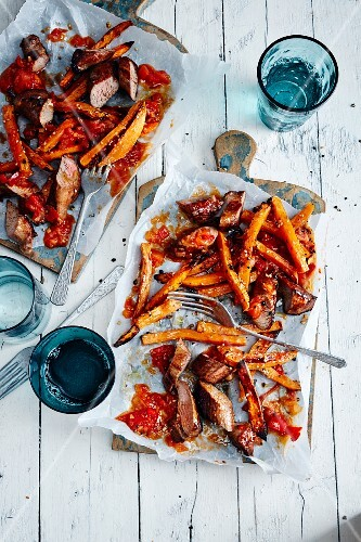 Lamb with sweet potato chips with ketchup