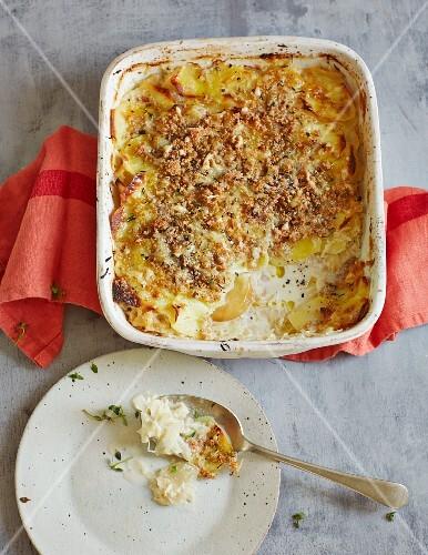 Potato gratin with sauerkraut and apples