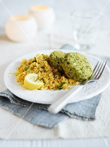 Chickpea cakes with lemon rice