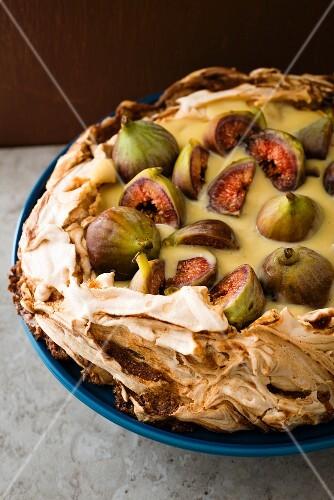 Fig pavlova with vanilla cream