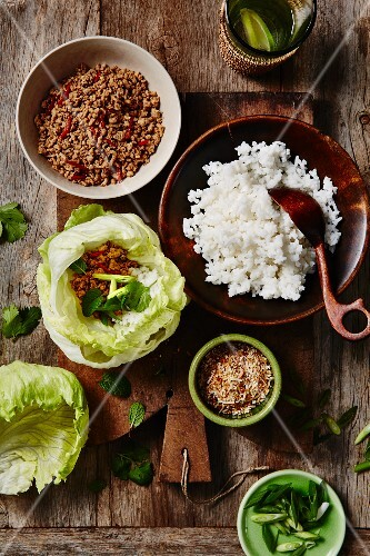 Minced pork with coconut on on lettuce leaves (Thailand)