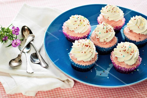 Ice cream cupcakes with colourful sugar pearls