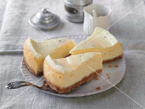 California cheesecake with a biscuit base