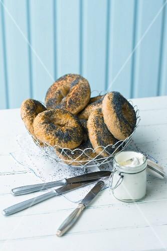 American poppyseed bagels