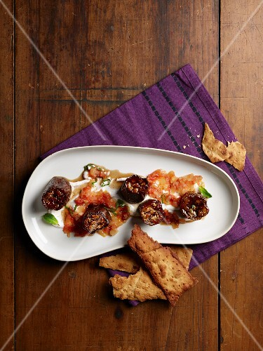 Sweet-and-sour aubergines with unleavened bread