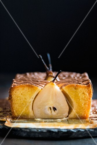 Spiced cake with pears, sliced
