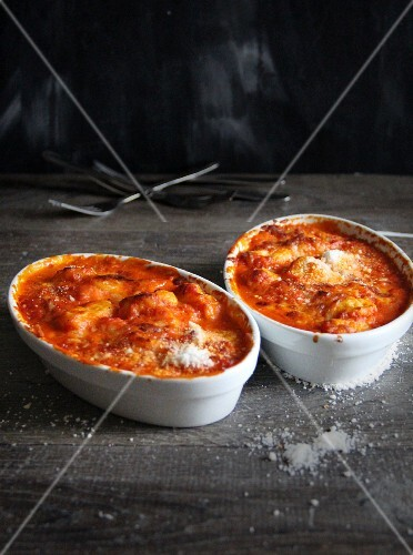 Gratinated gnocchi with tomato sauce and Parmesan cheese
