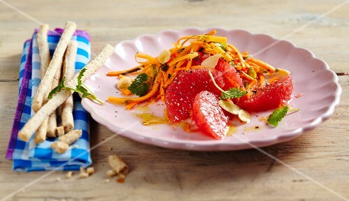 Pink grapefruit and carrot salad
