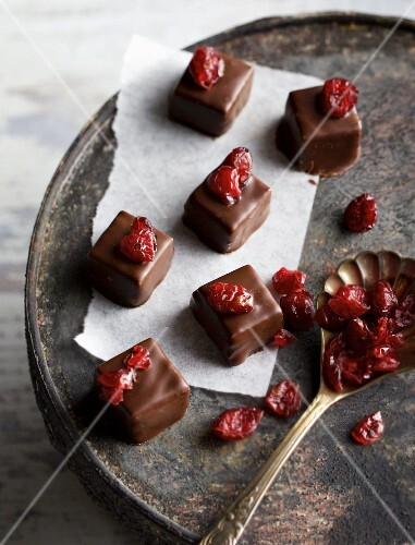 Chilli and cranberry pralines