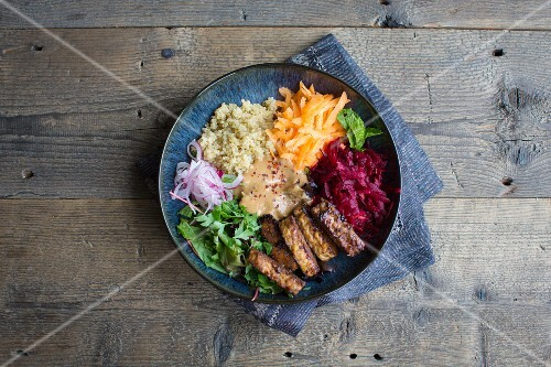 A goodness bowl with tempeh (vegan powerfood)