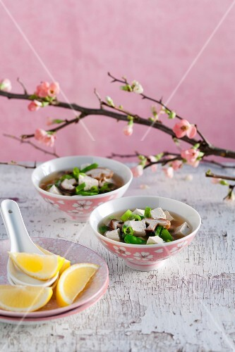 Miso soup with mangetout, tofu and shiitake mushrooms