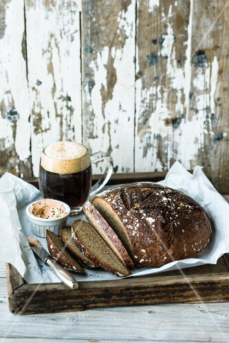 Sour dough bread with malt beer and spices