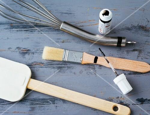 Kitchen and baking utensils