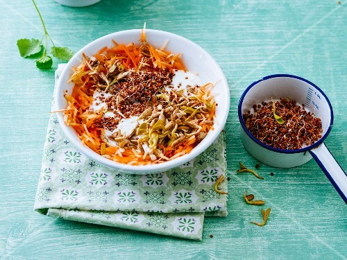 Gluten-free sprouting muesli with quinoa, apples and carrots