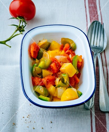 Gluten-free pasta salad with potatoes, tomatoes and pepper