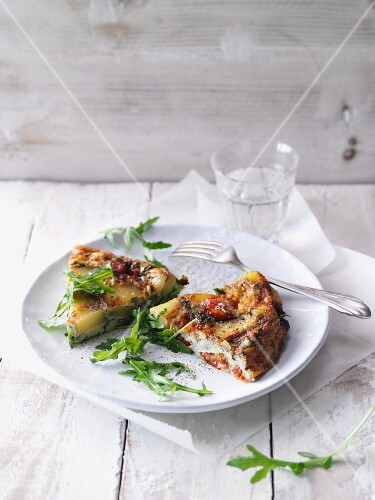 Potato frittata with rocket and cherry tomatoes