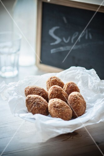 Supplì (deep-fried rice croquettes from Latium)