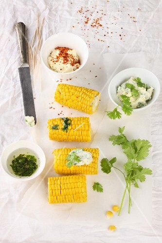 Corn cobs with dips