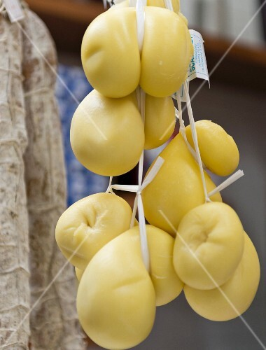 Hanging scamorza