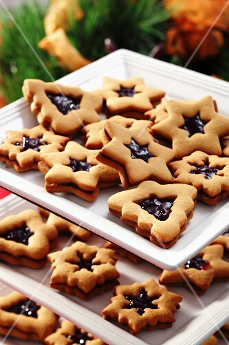 Christmas jam sandwich biscuits