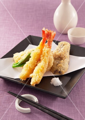 Scampi and vegetables in tempura batter