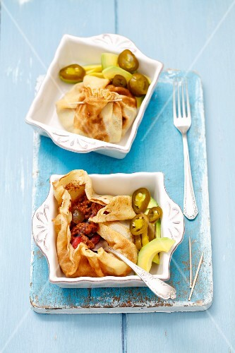 Pancake parcels with chilli con carne