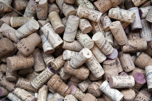 Various wine corks (full frame)