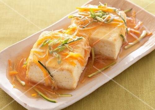 Fried tofu with a vegetable sauce (Japan)