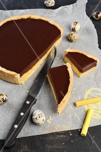 Vanilla and chocolate cream tart