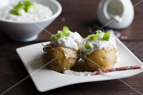 New potatoes with herb quark and spring onions