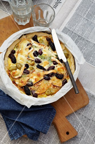 Potato gratin with olives