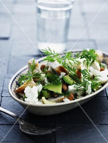 Cauliflower with chicken and avocado