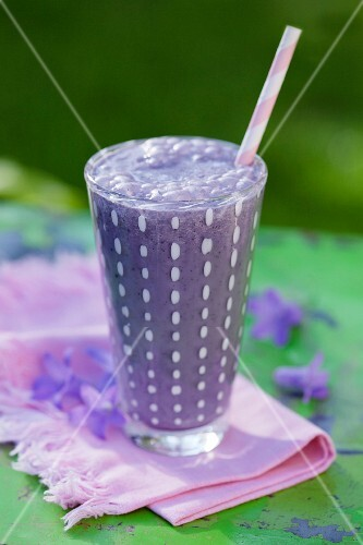 A blueberry and oat smoothie