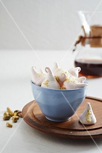 Coffee meringues