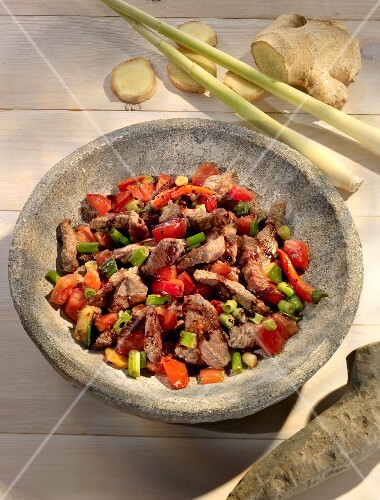 Spicy beef with ginger, lemongrass and peppers (Asia)