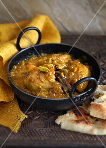 Chicken curry with cardamom (India)
