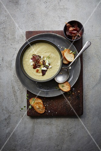 Cream of fennel soup with goat's cheese and biltong
