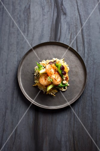 Green mango salad with Chinese cabbage and prawns
