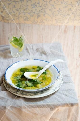 Vegetable soup for a detox diet