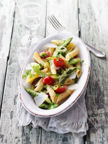 Lemon and chervil penne with green asparagus
