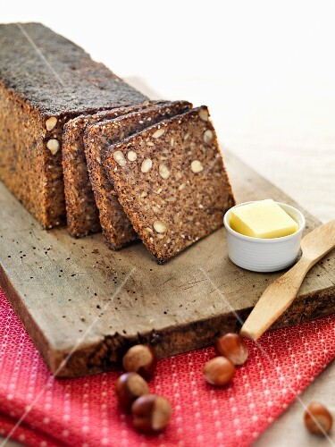 Rye bread with hazelnuts and butter