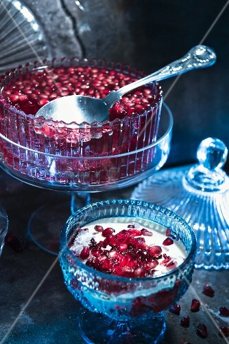 Pomegrante jelly with yoghurt