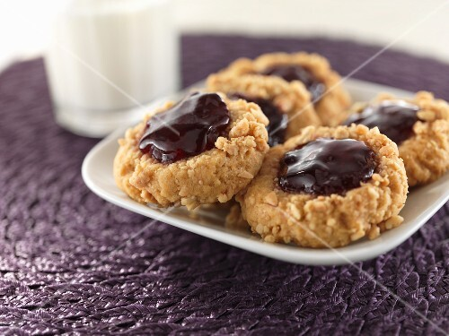 Nut biscuits with jam