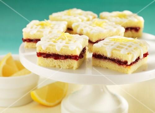 Lemon slices with raspberry jam
