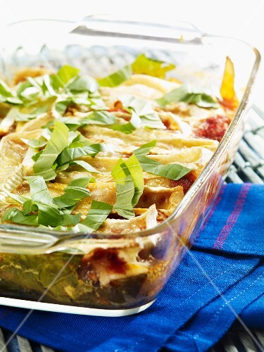 Chard and tomato gratin with bacon and Camembert