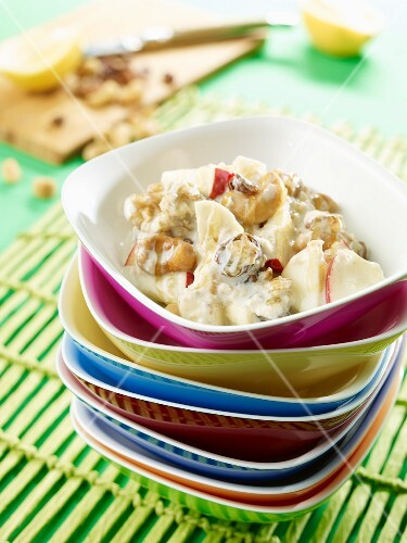 Bircher muesli with apples, bananas and honey
