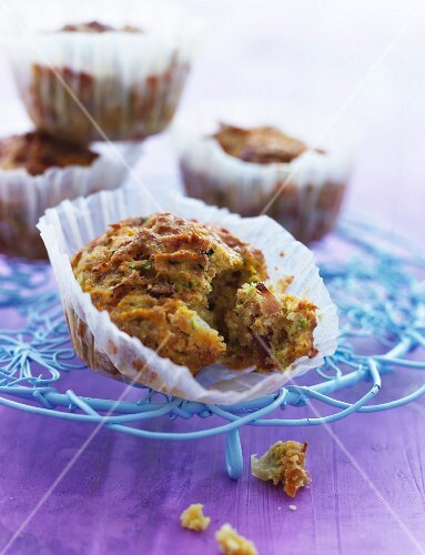 Spicy muffins with root vegetables